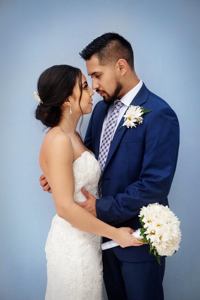 adult-bouquet-bride